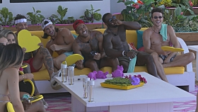First Look At Tonight's LOVE ISLAND - 7/21